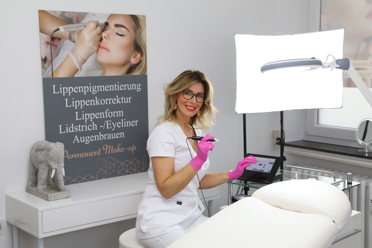Svitlana Lauterbach, Permanent Make-Up Meisterin Bremen